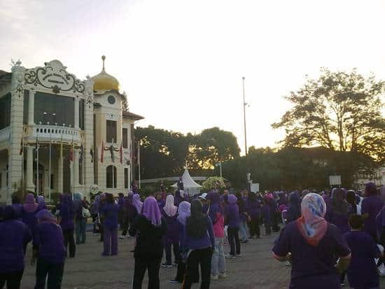 1-million-women-purple-walk-melaka-aerobic