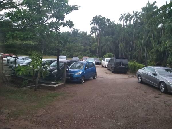 parking-umang-umang-chalet